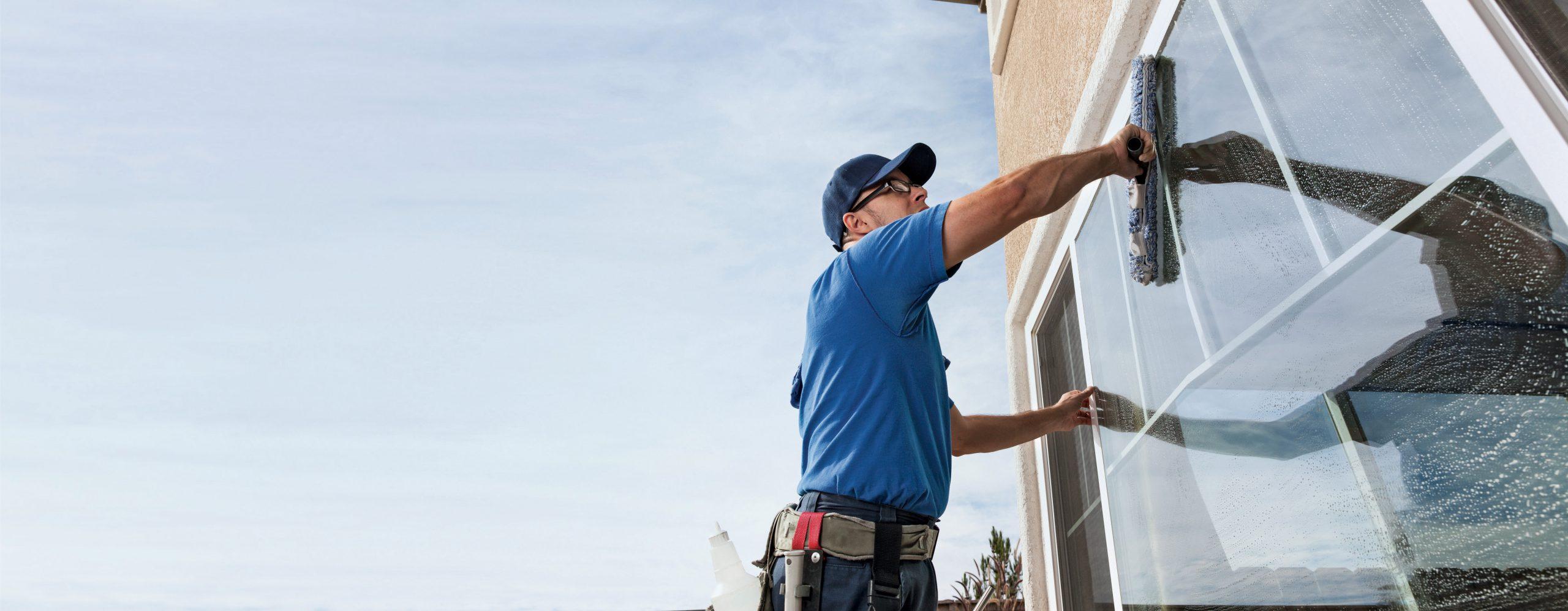 Die Profis für die Fenster- und Fassadenreinigung.